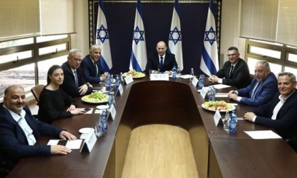 以色列成立新一届政府 内塔尼亚胡下台