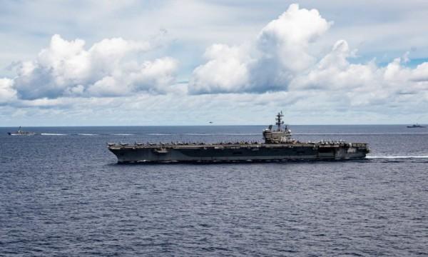 """美军""""里根""""号核航母进入中国南海"""